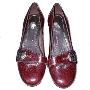 Clark's Artisan Leather Upper Wine Color Size 5M